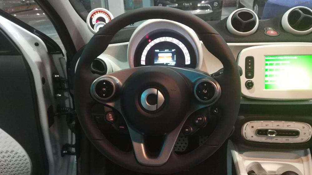 smart EQ forfour - smart EQ - > 27435 €